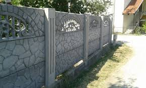 A betonkerítés hamar megérkezik