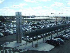 Kényelmes repülőtéri parkolás