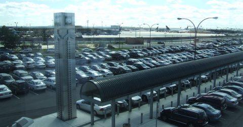 A repülőtéri parkolás kényelmes megoldás